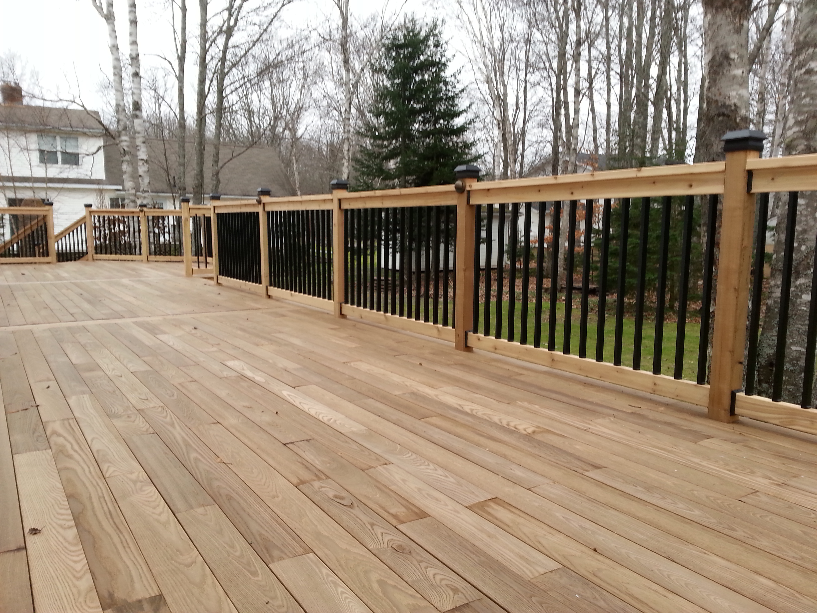 Zuri decking reviews gallery of zuri decking material for Composite deck material reviews